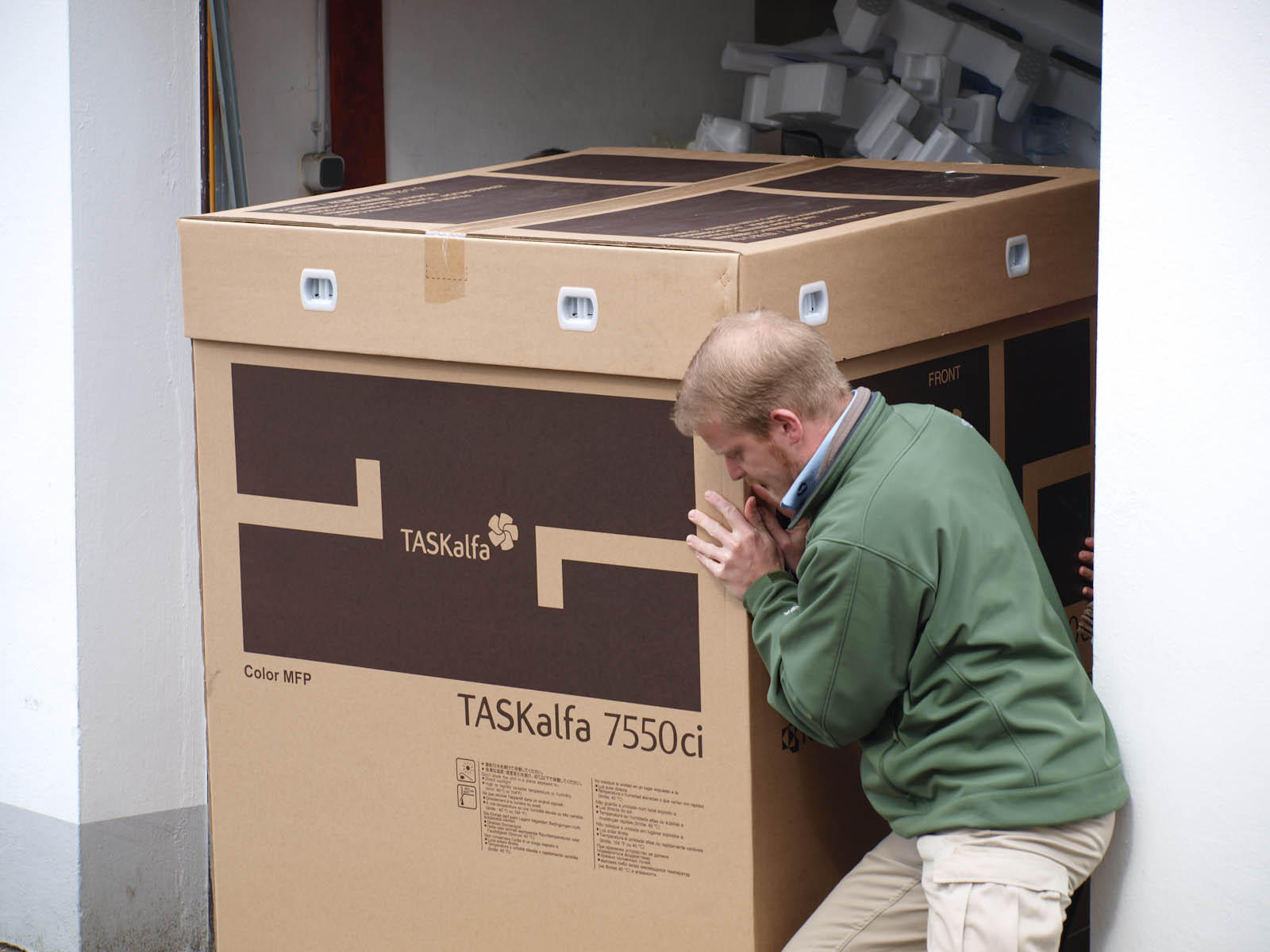 TASKalfa 7550ci: Über 180 Kilo auf der Waage
